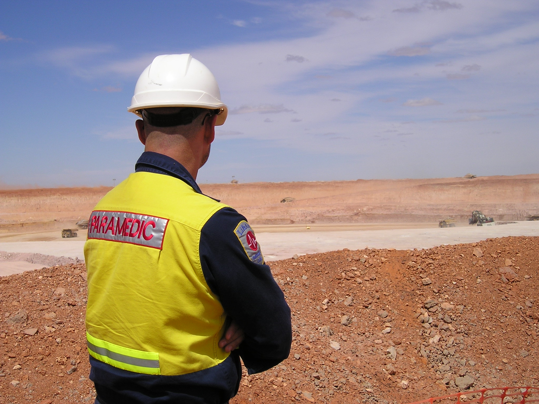 LifeAid paramedic working at a mine site